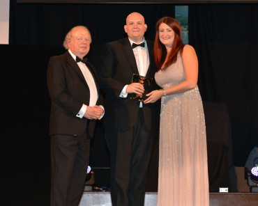 Freemasons at Wiswell_Winner Tourism Pub - John Sergeant (L) & Rachel Alty Roots Hand Cooked Vegetable Crisps (R)