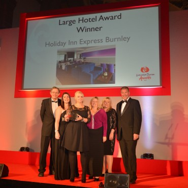 Holiday Inn Burnley_Winner Large Hotel_ Simon Calder(L) & Jane Shaw University of Central Lancashire(R)