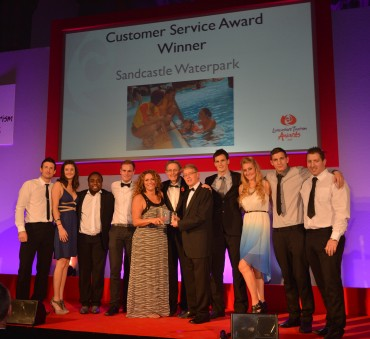 Sandcastle Waterpark_Winner Customer Service Simon Calder(L) & Tony Openshaw on behlaf of Welcome to Excellence(R)